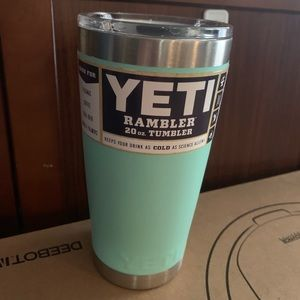 Aqua Teal Seafoam Yeti Rambler 20oz with LID New!